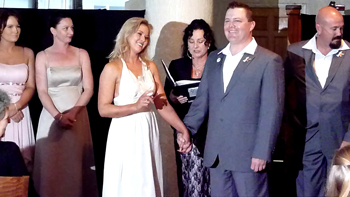 Marry Me Marilyn married Katrina & Brad from Inverell in NSW had their Wedding at the swinging Hard Rock Cafe in Surfers Paradise on the Gold Coast on 10.10.10 It certainly was a wedding with the WOW factor!