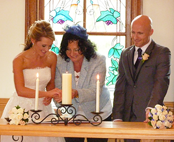 Lisa Eamonn Had A Candle Lighting Ceremony To Conclude Their Wedding With Marry Me