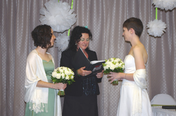 Liz & Danielle held their Commitment with Rainbow Pride Celebrant Marilyn Verschuur