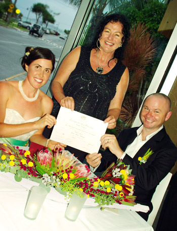 Louise & Michael from Victoria held their Wedding Len Wort Park & Elephant Rock Cafe Currumbin on the Southern Gold Coast