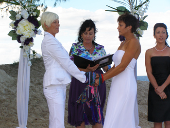 Penny & Angela chose a Handfasting Commitment with Marilyn Verschuure Marry Me Marilyn