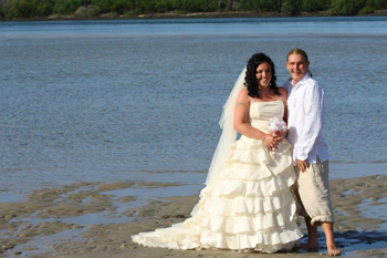 Teegan & Lucas married on a Houseboat on the Tweed River at the Tweed Marina with Marry Me Marilyn
